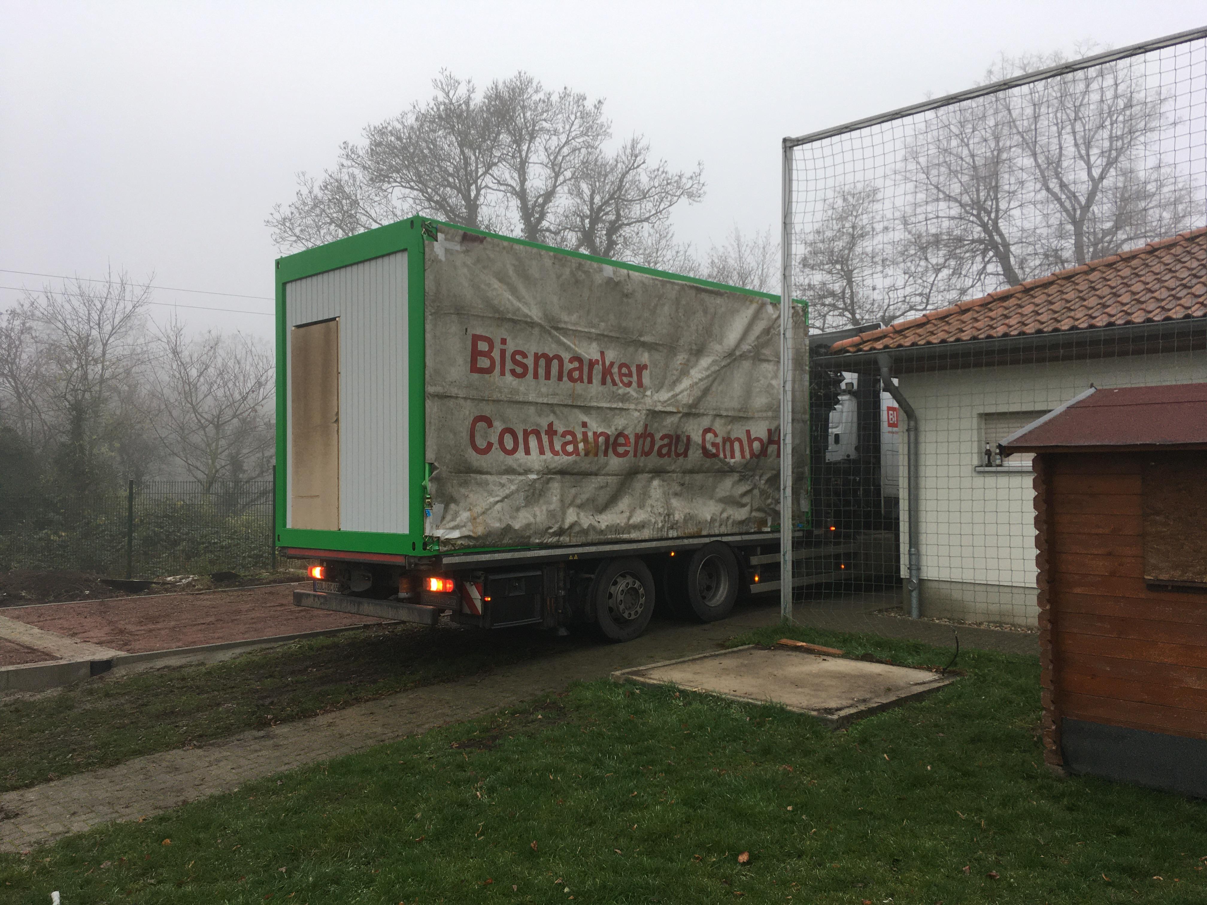 Lieferunf des ersten Containers